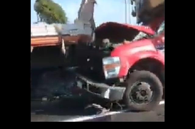 Comerciante pierde la vida por choque en la autopista a Atlixco