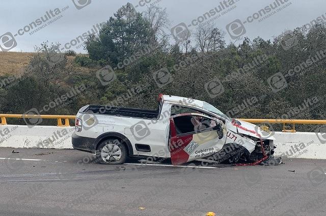 Choca camioneta del gobierno en Chignahuapan: hay un herido