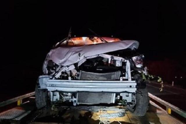 Se estrella vehículo donde viajaban Zoé Robledo y acompañantes