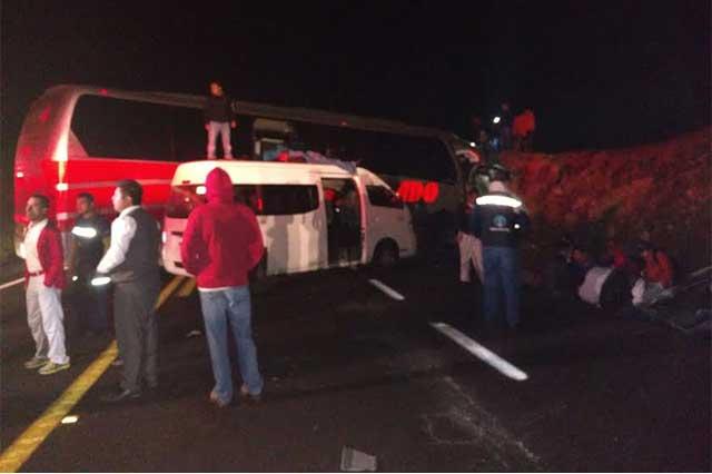 Deja 30 heridos y 1 muerto choque de ADO en la Amozoc-Perote