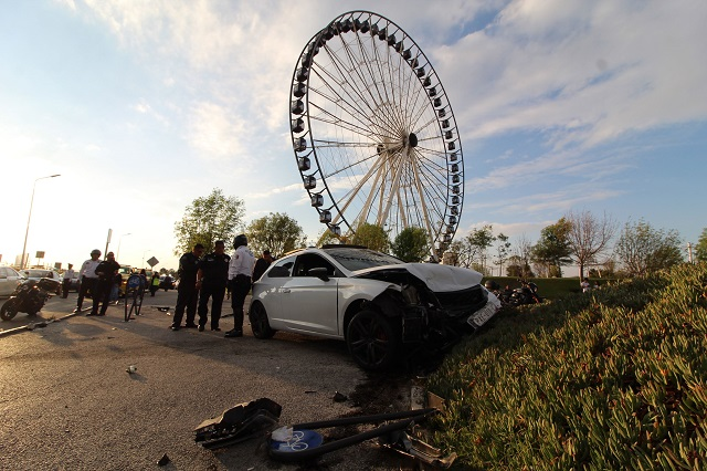 Muertos y heridos dejan 'proezas' de autos deportivos en Puebla