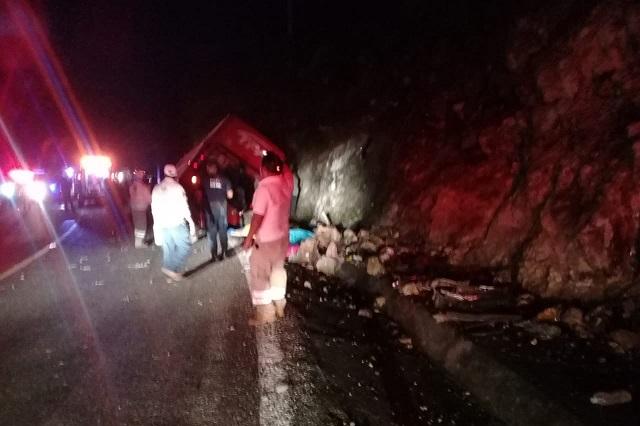 Choca autobús en Chiapas y deja 13 muertos y 25 lesionados