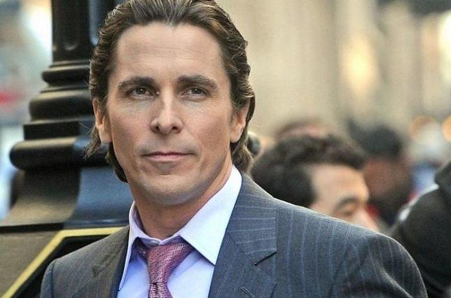 Christian Bale es un camaleón: ya no es Batman y hoy luce diferente