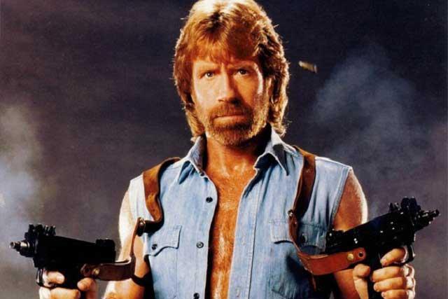 Chuck Norris sufre dos infartos en menos de una hora y está vivo