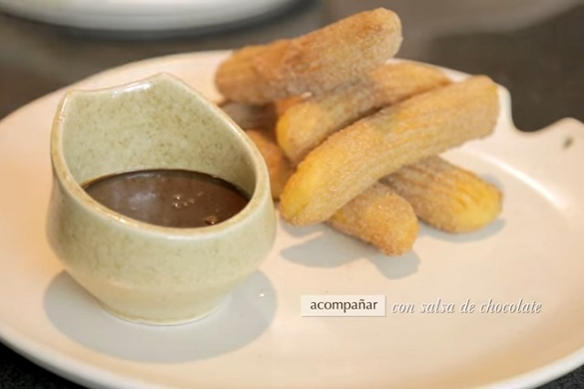 ¿Cómo hacer de forma fácil unos deliciosos churros con canela?