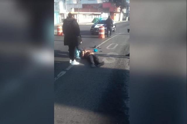 Taxista atropella a ciclista y huye frente al Panteón Municipal