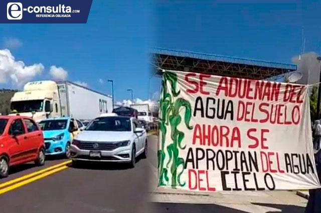 Campesinos bloquean la Puebla-Teziutlán por bombas antigranizo