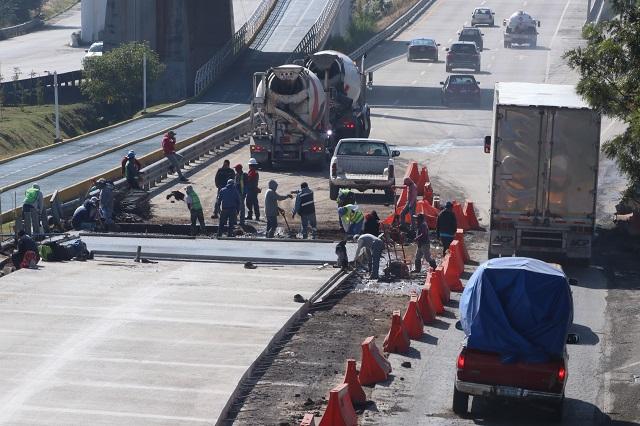 Cierran tramo del Periférico por instalación de concreto hidráulico