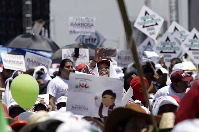 INE exonera a Barbosa de rebasar gasto de precampaña