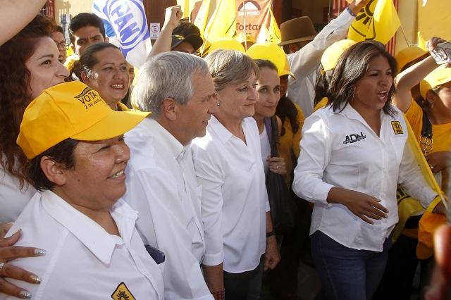 PAN y PRD niegan traición a la candidatura de Cárdenas