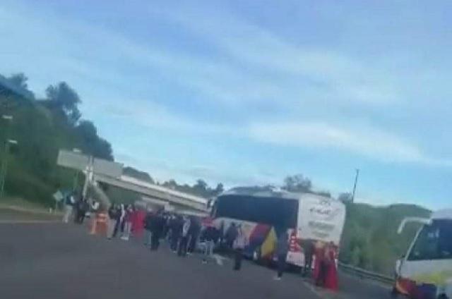 Estudiantes de Teteles bloquean carretera Teziutlán- Virreyes
