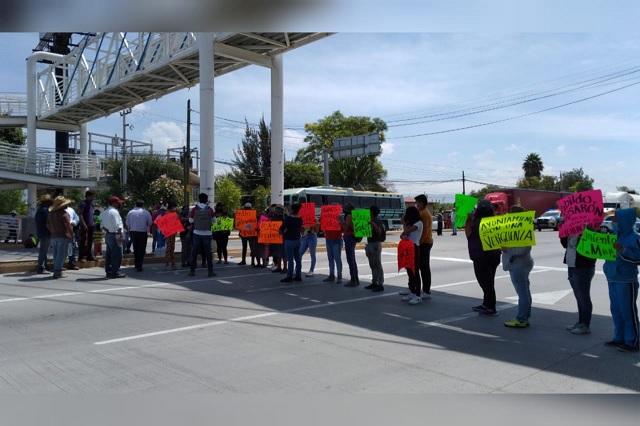 Bloquean la México- Veracruz por falta de obras en Teotipilco