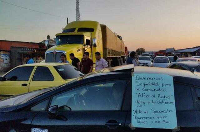 Bloquean 9 horas autopista y carretera federal México-Tuxpan