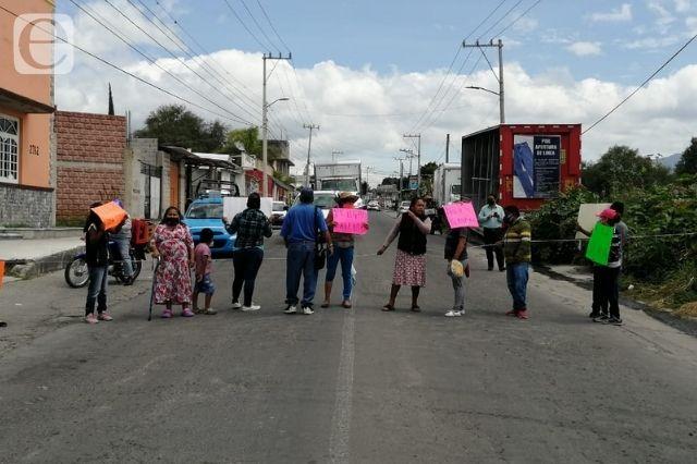 Bloquean avenida en Tehuacán se oponen a gasera