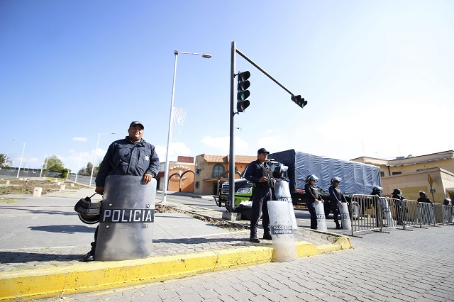 Vallas y controles de seguridad para cuidar mensaje de Alonso Hidalgo