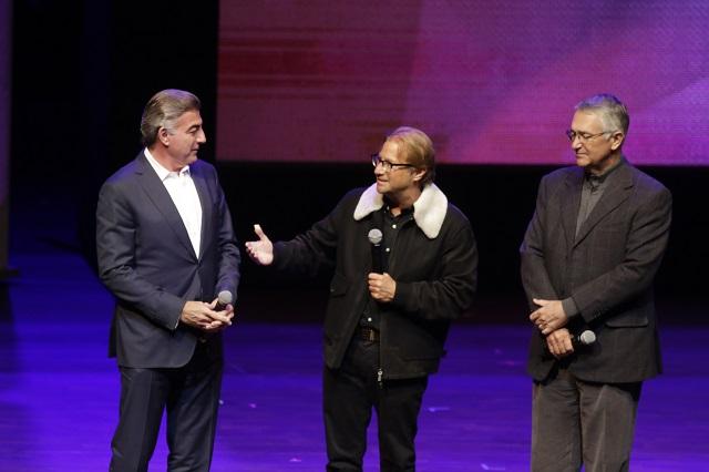 Anuncia Tony Gali apertura del Centro Azteca y canta Al Final