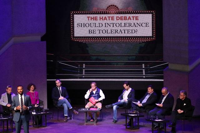 Centra Ciudad de las Ideas debate estelar sobre intolerancia