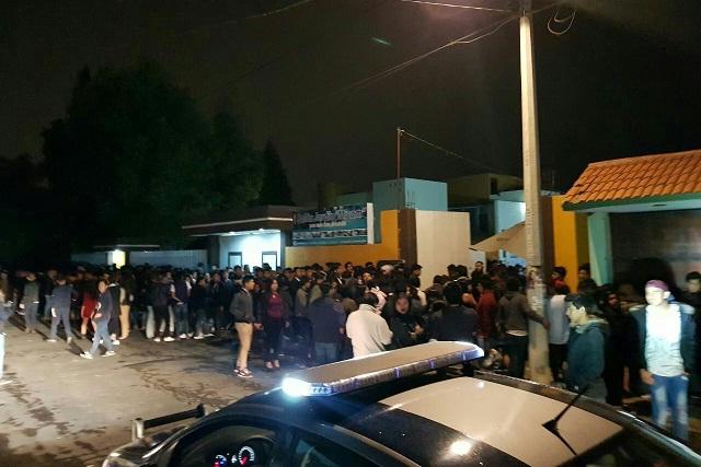 Clausuran salón social en Cholula por vender alcohol a menores