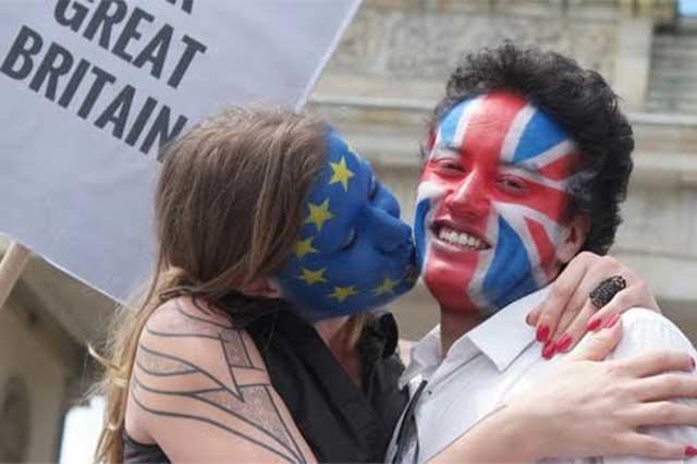 Ciudadanos del Reino Unido eligen abandonar la Unión Europea
