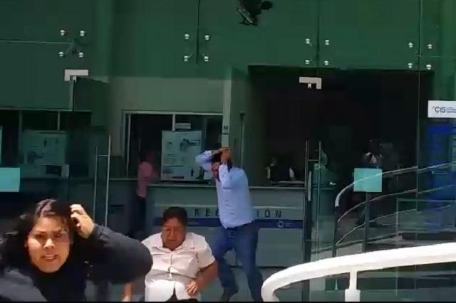 Muestran en redes daños y pánico por sismo en Puebla