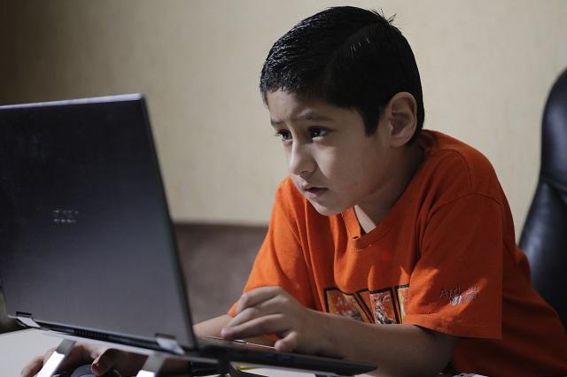 Legisladora por Puebla propone lectores de libros electrónicos
