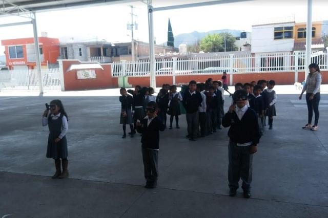 Cruz Azul beneficia a escolares con programa de salud visual
