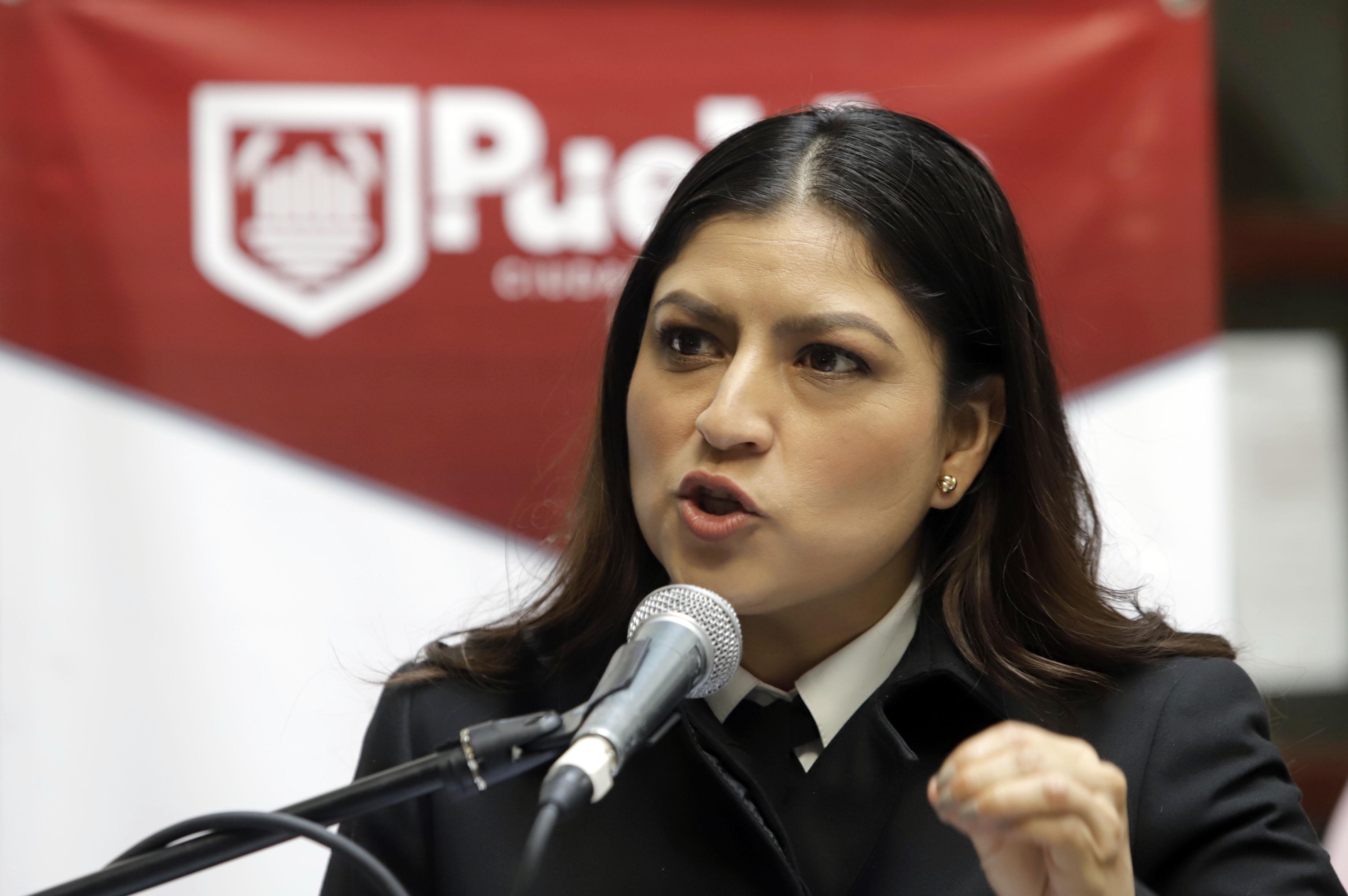 Desaira Rivera a diputados y los acusa de persecución y abuso
