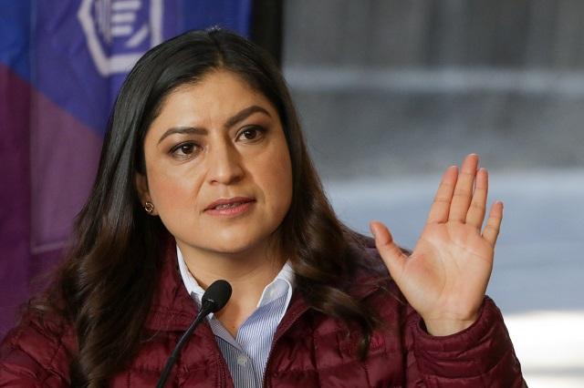 Claudia Rivera intercede por feministas; exige a Biestro atenderlas