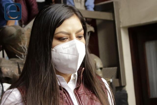 Claudia Rivera admite la derrota, acusa campaña sucia