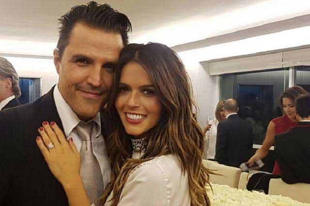 Billy Rovzar pidió la mano de Claudia Álvarez