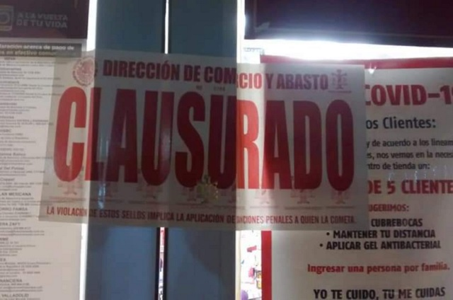 En operativo sorpresa clausuran un Oxxo en Huauchinango