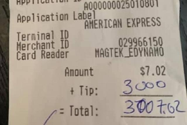 Cliente deja 3 mil dólares a restaurante que cerrará sus puertas por Covid