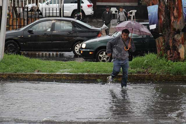 Primeras lluvias por tormenta Franklin llegan a Puebla