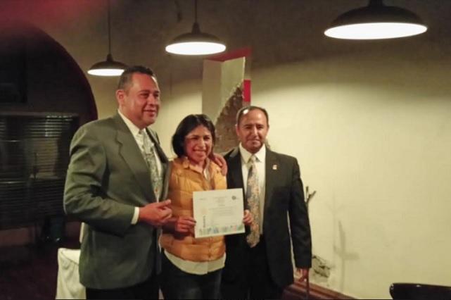 Roxana Luna se compromete ante Club Rotario Puebla Oriente