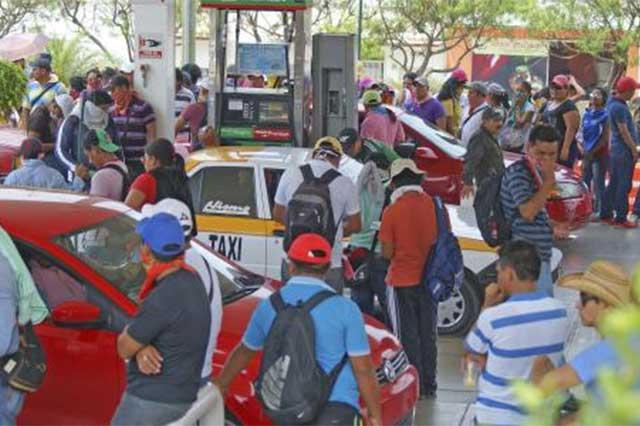 CNTE permitirá paso de gasolina y alimentos en Chiapas