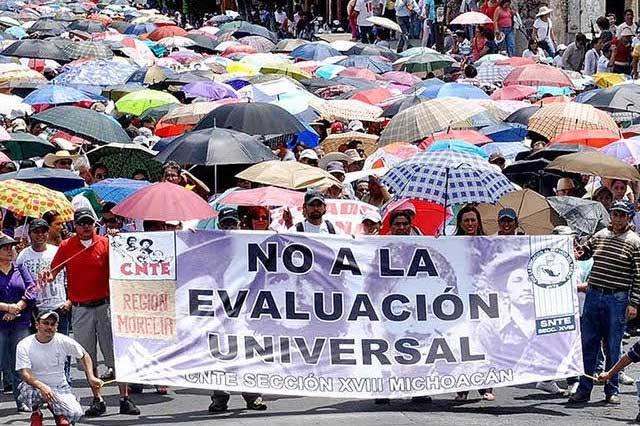 Amenaza CNTE con paro nacional si la SEP despide a profesores