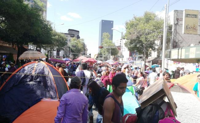 La CNTE se planta frente a Segob y exige diálogo