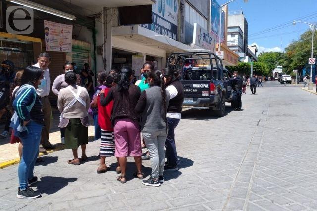 Quitan a coapeñas del centro de Tehuacán por obra pública