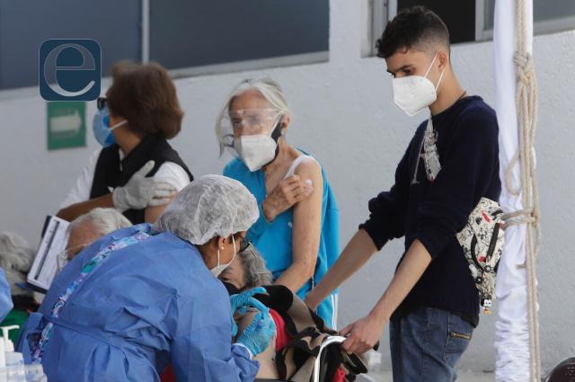 Mejoró la vacunación; el error fue corregido, dice Barbosa