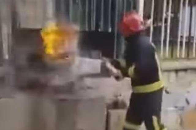 Video muestra como extinguir fuego con Coca Cola