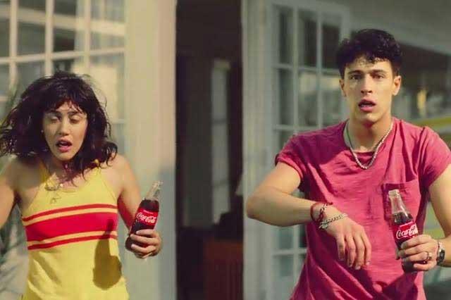 Lujuria y homosexualidad, Coca Cola rompe con tabús en comerciales