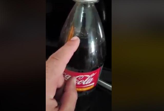 Asqueroso: Video muestra una rata dentro de una Coca Cola sin abrir