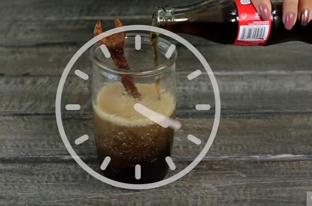 4 usos de la Coca Cola que son útiles y deberías saber