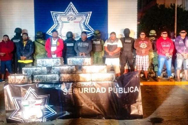 Caen en Puebla 8 chiapanecos con 100 kilos de cocaína