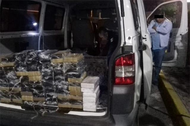 Capturan a sujeto con carga de 100 kilos de cocaína en Tehuacán