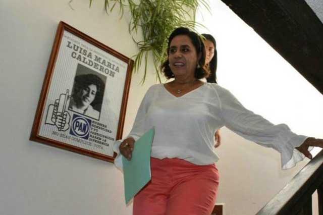 Cocoa Calderón obtiene 6 mil firmas y se convierte en candidata a diputada