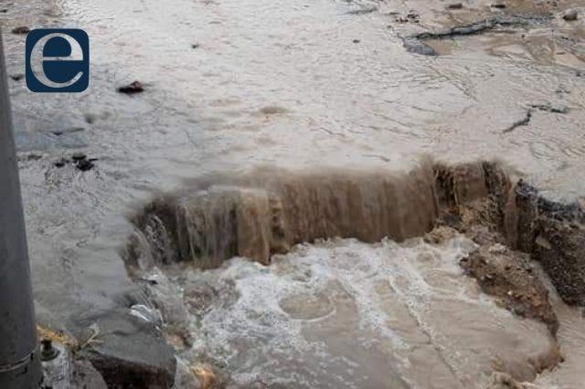 Colapsa calle en Chilac y habitantes culpan a la alcaldesa