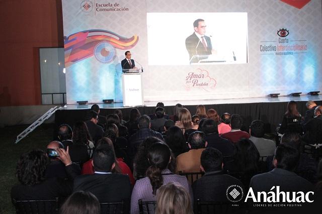 Estudiantes de la Anáhuac Puebla presentan proyectos en Centro Cultural Paz