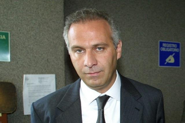Vinculan a proceso al abogado Juan Collado, acusado de fraude