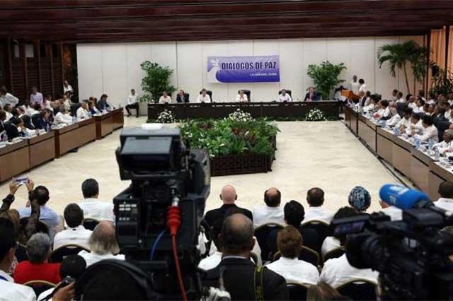 Firman las FARC y el gobierno de Colombia el cese al fuego